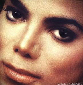 SEE:  MICHAEL JACKSON ROUND MOLE ON LEFT CHEEK  (Something PRIVATE between me and Michael they used also!)