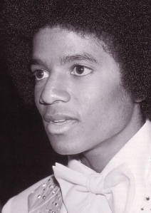 Michael before Camouflage covered his Cheek Mole and after 1982 Plastic Surgery