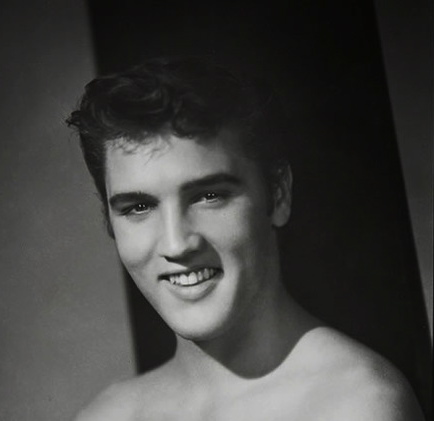 ELVIS TOPLESS GREAT SMILE & EYES