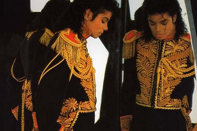 Michael Jackson living the Twin Soul Mission: Twin Souls only Meet again when READY ©