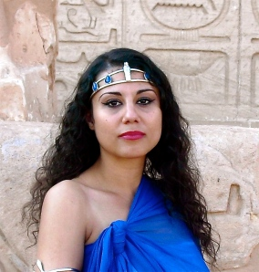 Susan Elsa 2010 at Nefertiti Temple © Original Natural Looks