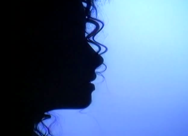Michael Jackson gives Clear Hint about his Twin Soul: The Female Twin Looks © Dark Curly Hair