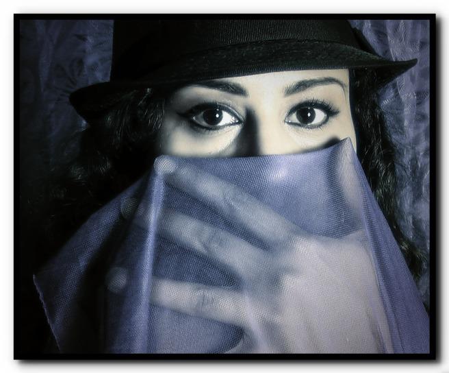 Susan Elsa Blue Purple Veil Images ©