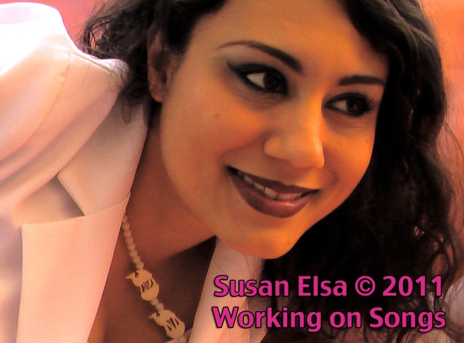 Michael jacksons Real Twin Soul Flame Story: Susan Elsa 2011 with Guitar PUBLISHED IMAGE!