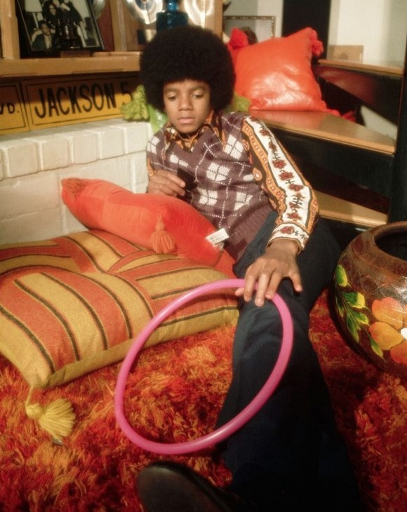 MICHAEL JACKSON´S ENTRY INTO SHOW BUSINESS AS A CHILD STAR - Michael Jackson Photos for Educational Purpose