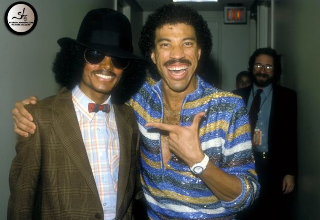 Michael Jackson after 1982 with Lionel Ritchie in Disguise: Weight Loss and New Diet - Photo for Educational Purpose