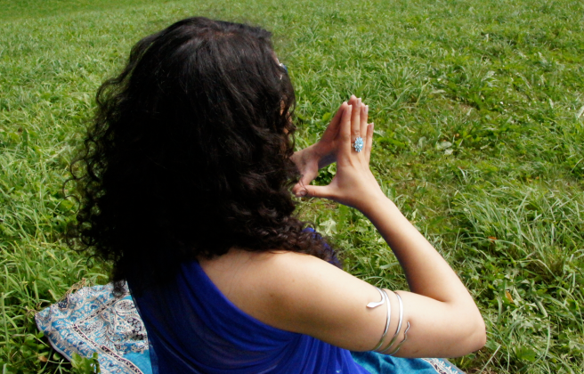 SUSAN ELSA, AUGUST 2011: KEMETIC ISIS YOGA MAGIC IN NATURE AND THE SACRED TREE DANCE © WOMEN OF THE WORLD PROJECT 2011