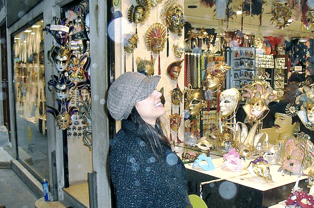 Susan Elsa- March 2010 Venice and Verona Italy- TWIN SOUL AURA LIGHT ORBS (Real) © Michael Jackson TwinFlame Soul Official
