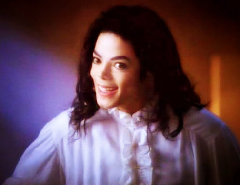 Michael Jackson Ghosts Smile before showing his True Magic Powers - MJ TwinFlame Soul Official Blog