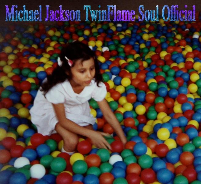 Susan Elsa Childhood Photo- Little Susie Ball Bath Play © Michael Jackson TwinFlame Soul Official