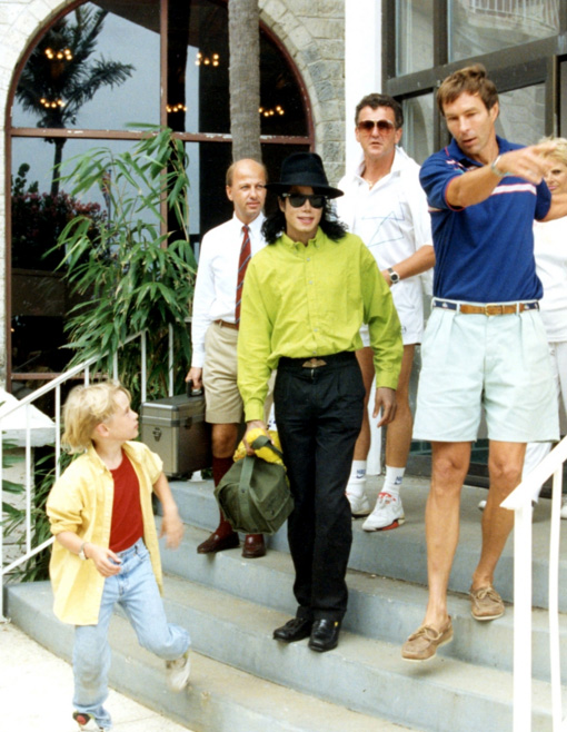 Archangel Michael Jackson on Vacation in Bermuda (1991) with Friend Macaulay Culkin- Photo for educational Purpose only- Michael Jackson TwinFlame Soul Official Blog